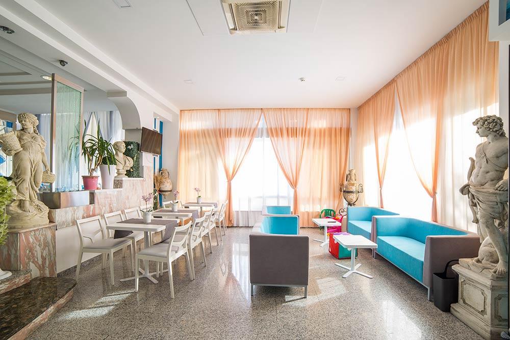 h tel gabicce avec air conditionn parking et wifi. Black Bedroom Furniture Sets. Home Design Ideas